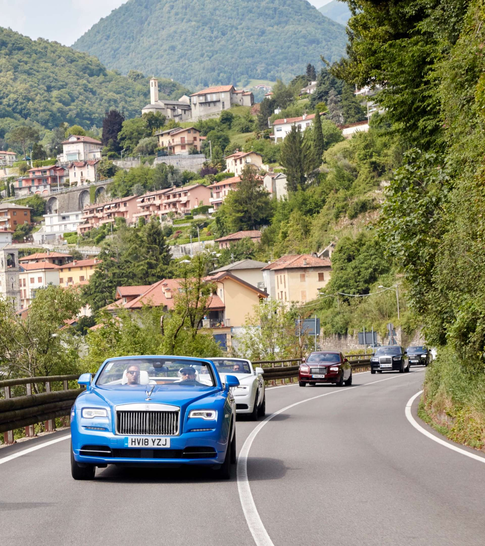 rolls-royce's driving though italian country side