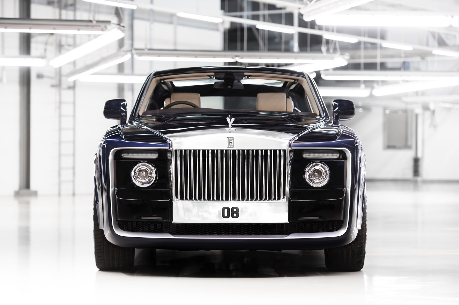 Front grille of Rolls-Royce Sweptail