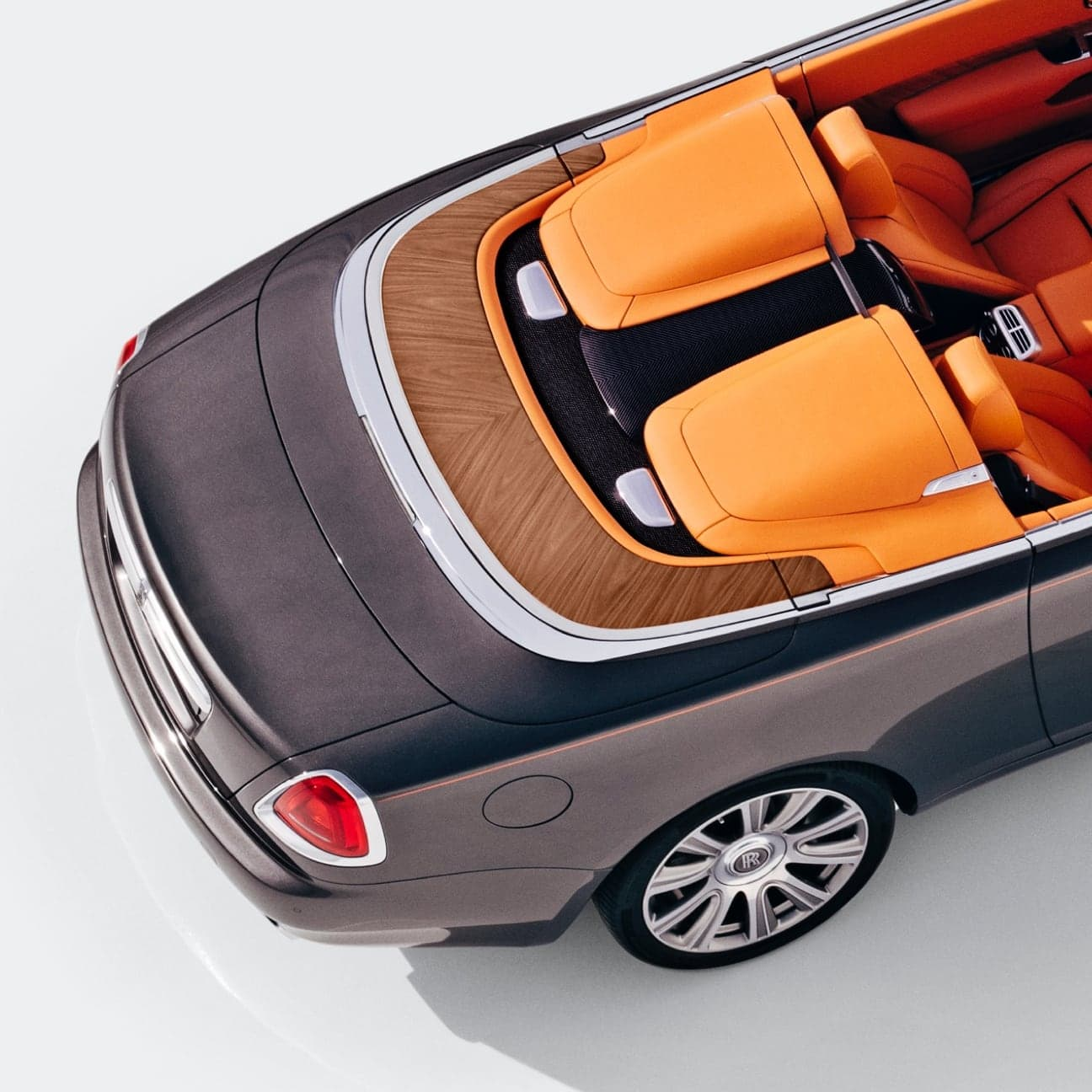 Indulge the senses with Dawn Aero Cowling, the tonneau cover – the ultimate two-seater, open-top driving experience by Rolls-Royce Motor Cars.