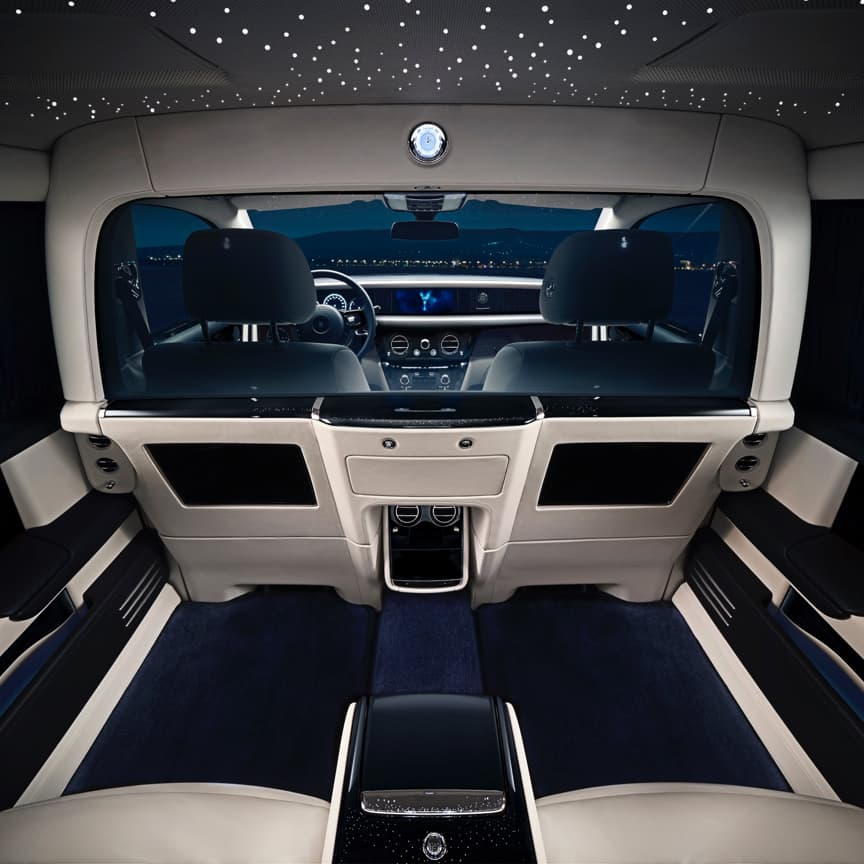 Experience the luxury of absolute privacy. The Privacy Suite for Phantom Extended Wheelbase transforms the rear cabin into a secluded sanctuary for undisturbed enjoyment.