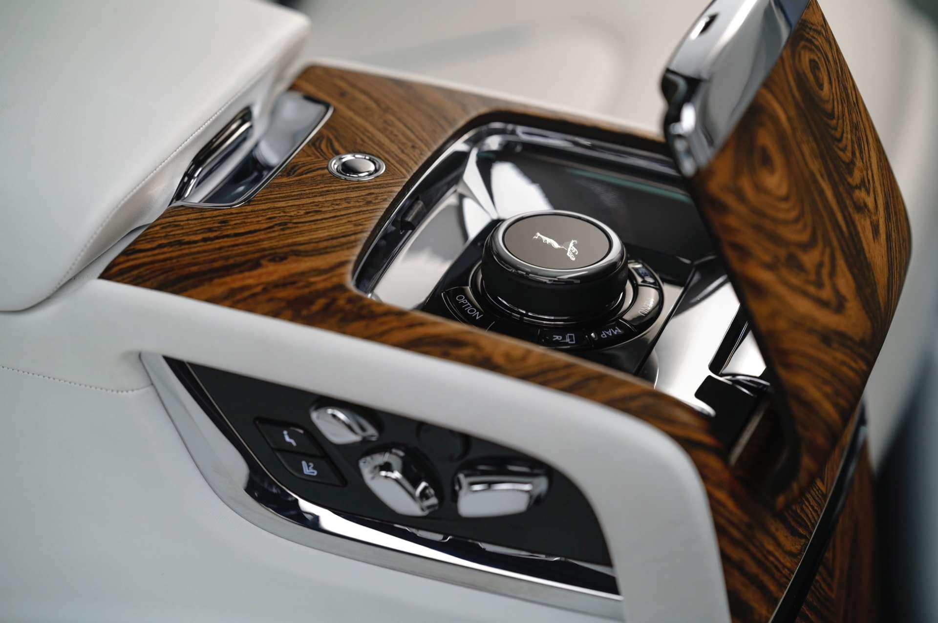 The interior controls in a Rolls-Royce Cullinan motor car