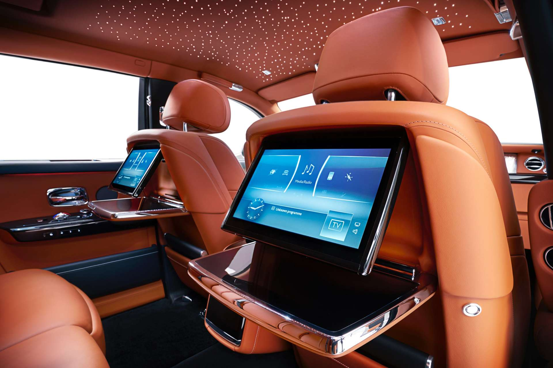 The rear TV screens in operation in the Rolls-Royce Phantom standard wheelbase.