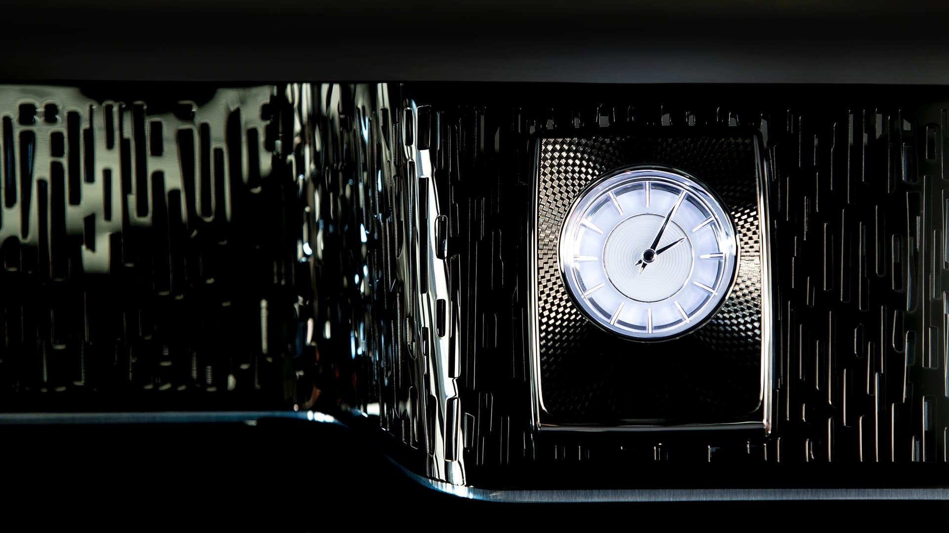 Clock from gentleman's tourer Rolls-Royce Phantom standard wheelbase