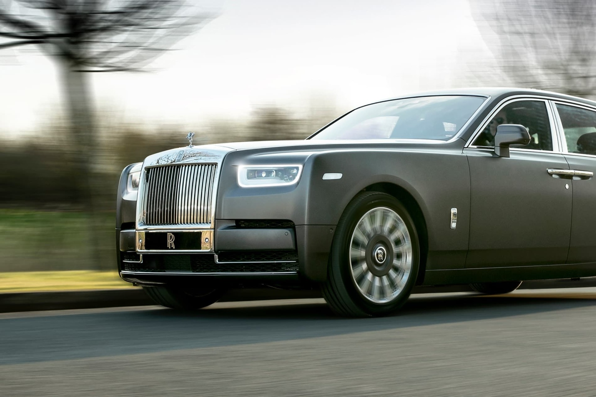 Front exterior shot of Rolls-Royce Gentleman's Tourer Phantom