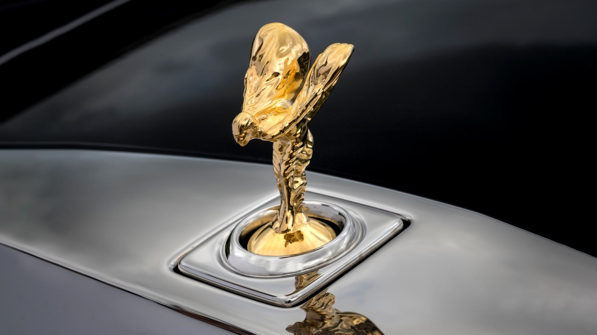 Close up shot of the Spirit of Ecstasy on the Rolls-Royce gunmetal Phantom