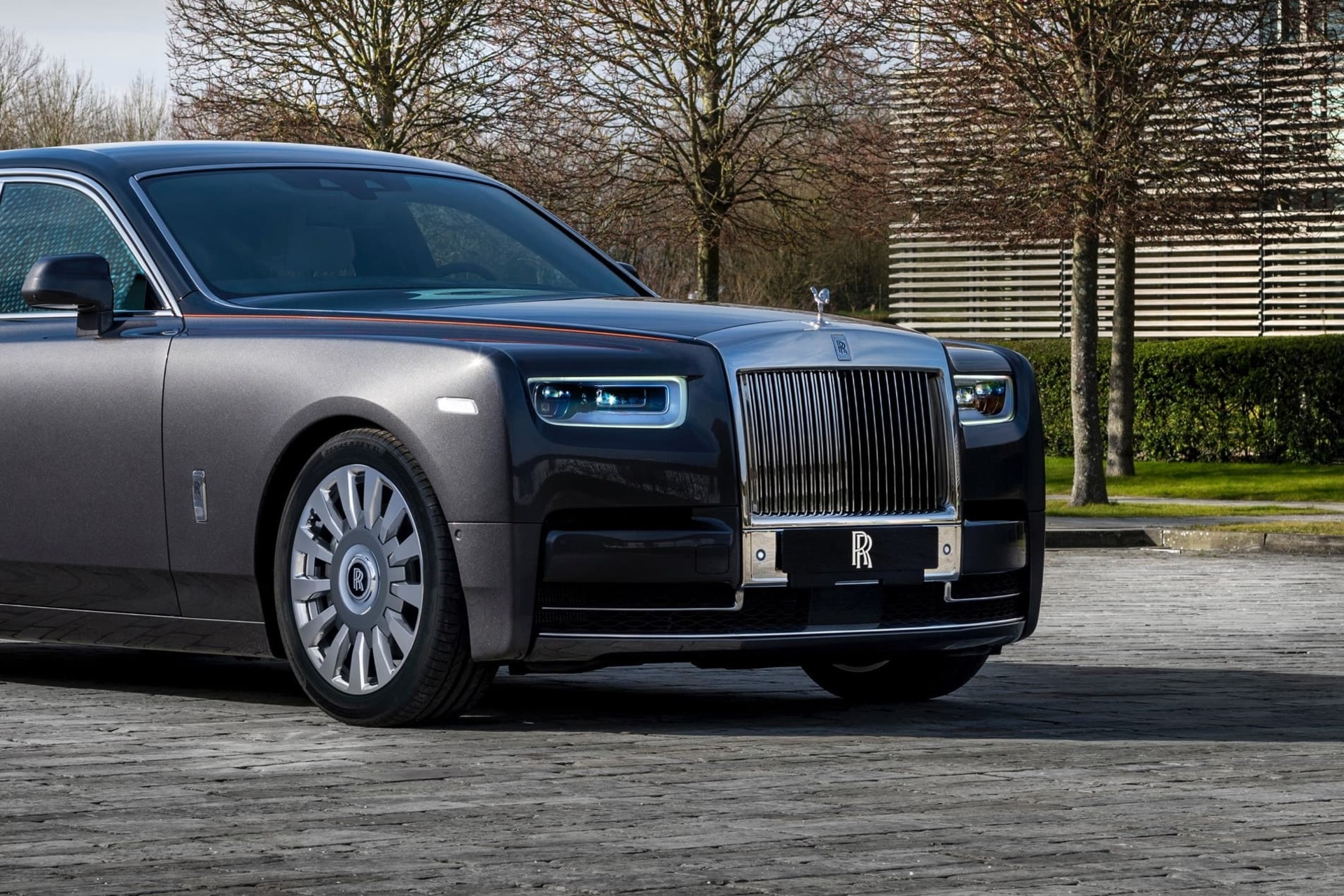 Front exterior shot of Rolls-Royce Gunmetal Phantom