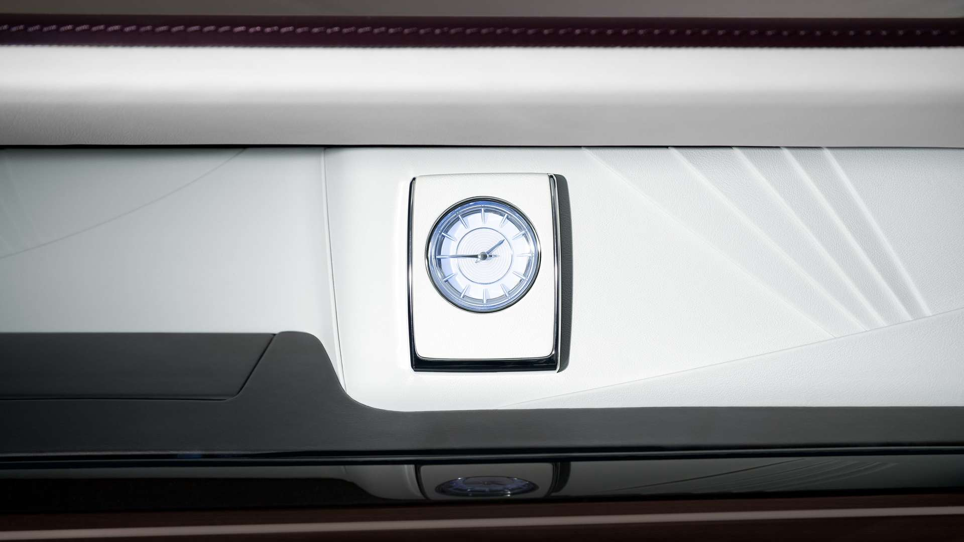 The clock inside a Rolls-Royce Phantom EWB model