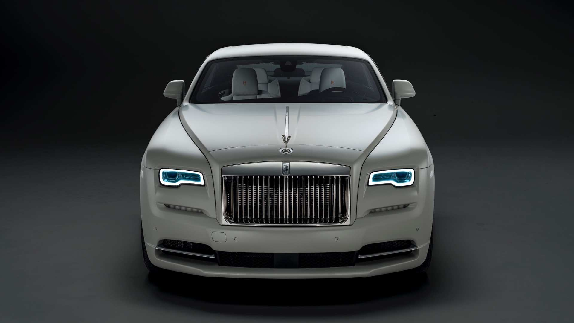 Rolls-Royce Wraith front view, Nebula collection
