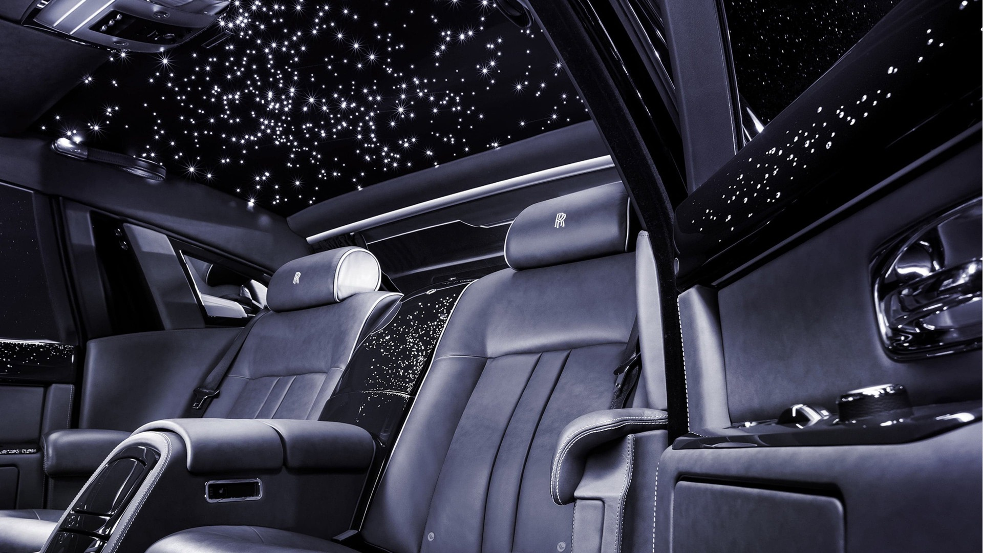 Interior shot of Rolls-Royce Phantom showing the starlight headliner