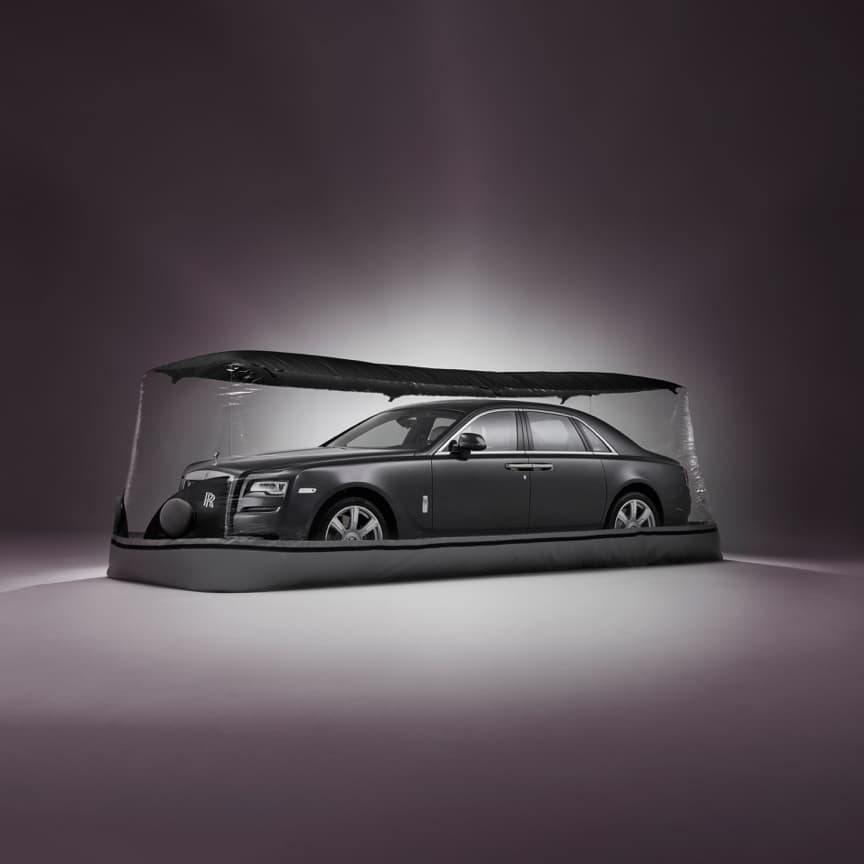 <p>Keep your Rolls-Royce in pristine condition in a dust, dirt and damp-free environment. This hard-wearing inflatable cover creates a dry micro-climate, with twin fans continuously circulating air around the vehicle.</p>