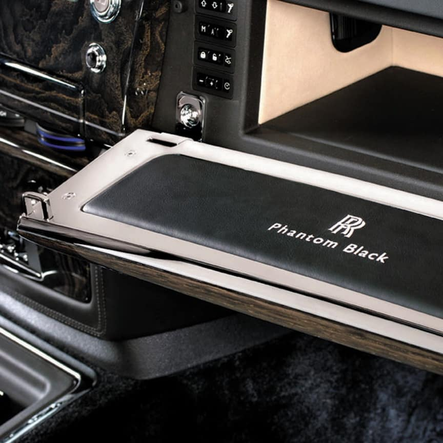 <p>Giving a discreet and personal touch to an area not immediately visible to the casual viewer, the interior of Phantom's glovebox lid can be&nbsp;embroidered with personalised text or graphics.<br> </p>
