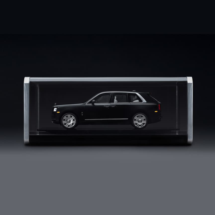 <p>Displaying an unparalleled level of detail, this iconic 1:8 scale model is not only a faithful reproduction of a full-size Cullinan, but a beautiful work of art in its own right. Each model has been hand-assembled from over 1,200 individually crafted components to meet the highest possible standards.<br> <br> From the engine compartment to the tread of the tyres, each motor car is a true expression of effortless, timeless luxury in extraordinary miniature. This includes fully functioning exterior and interior lights, opening and closing coach doors, luggage compartment and opulently finished interior.</p>