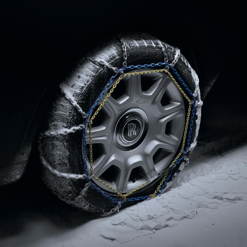 <p>Designed to overcome ice and deep powder, Rolls-Royce snow chains will give your Cullinan an improved braking distance, along with greater traction and driving stability. Exemplifying effortlessness, everywhere, these snow chains can be easily fitted and removed, and are stowed in a bespoke storage bag.</p>